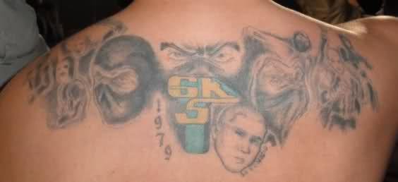 Kibice i logo tatuaż