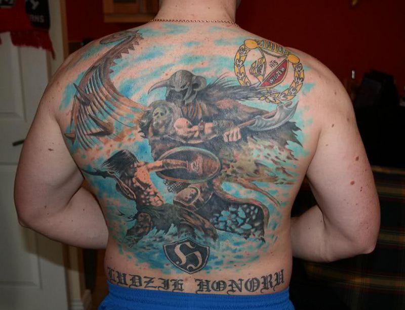 Kibic z tatuażem Widzew Łódź