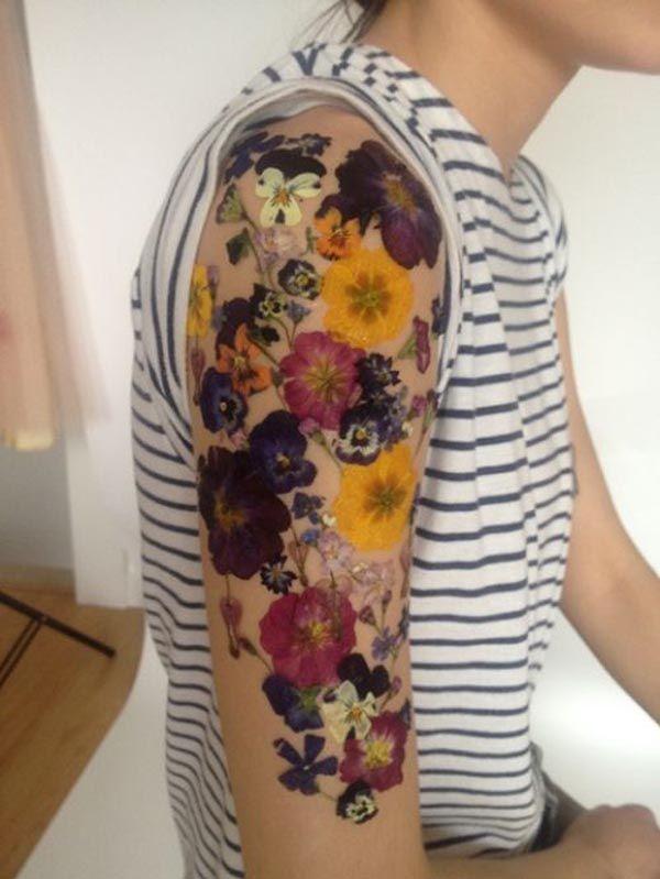 Kolorowe bratki kwiatki tatuaż