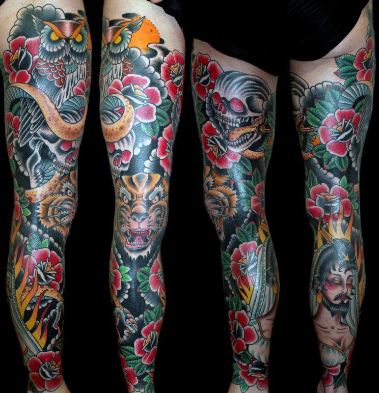 Kolorowy Tatuaż Na Nodze