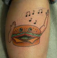 Śpiewający hamburger tatuaż