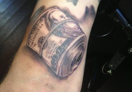 Tatuaż plik pieniędzy