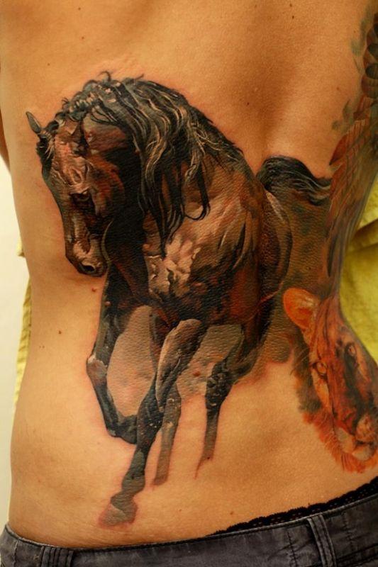 Tatuaż z koniem i tygrysem