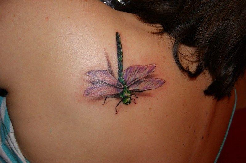 Kwiecisty Tatuaż Z Boku Pleców