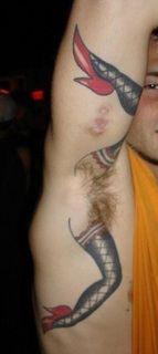 Tatuaż z nogami kobiety