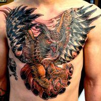 Tatuaż sowa skrzydła kolorwe