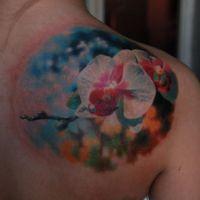 Biało-różowa orchidea tatuaż