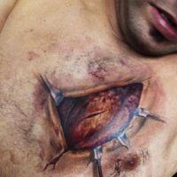 Biomechanika tatuaż serce