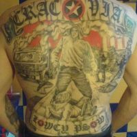 Cracovia Kraków napis i kibice tatuaż