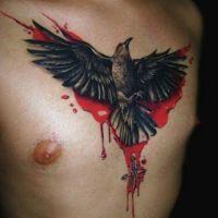 Czarny ptak we krwi tatuaż