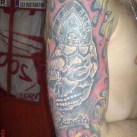 Czaszka i ogień tatuaż kibica
