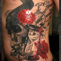 Czaszki klepsydra i róża tatuaż