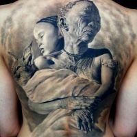 Dwie murzynki i zwierzę tatuaż