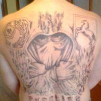 Kicibowski tatuaż na plecach