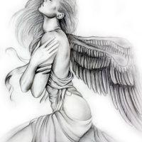 Klęczący anioł wzór tatuażu