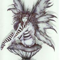 Kobieta ze skrzydłami motyla tatuaż