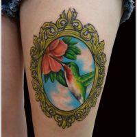 Koliber w lustrze tatuaż