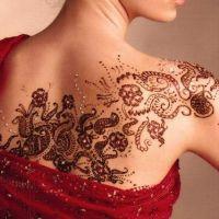 Kwiecisty tatuaż