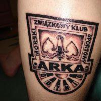 Logo Arka Gdynia tatuaż