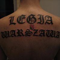 Napis Legia Warszawa tatuaż