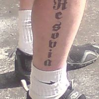 Napis tatuaż Resovia na łydce