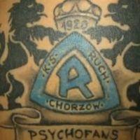 Niebieskie logo Ruch Chorzów tatuaż