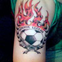 Płonąca piłka Górnik Łęczna tatuaż