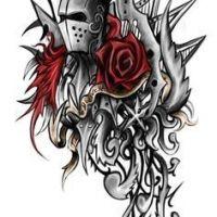 Rycerz w metalowej zbroi i kwiaty