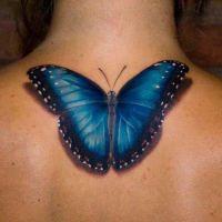 Tatuaż niebieski motyl