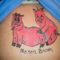Tatuaż z dwiema świnkami