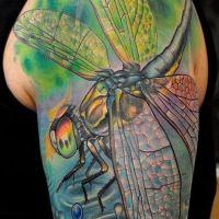 Tatuaż z ogromną ważką