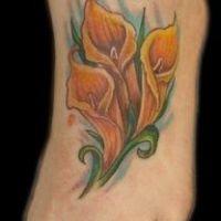 Trzy kalie tatuaż na stopie