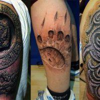 Trzy tatuaże trójwymiarowe