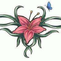 Wzór tatuażu z różowym kwiatem