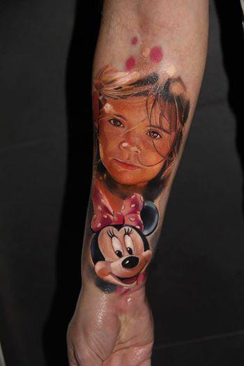 Twarz Dziecka I Postać Z Bajki Tatuaż
