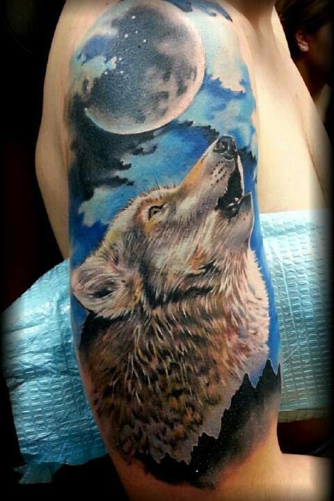 Wilk Wyjący Do Księżyca Tatuaż