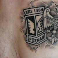Orzeł i logo Lech Poznań tatuaż