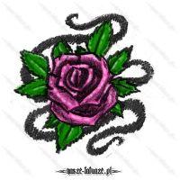 Różowa róża z liśćmi